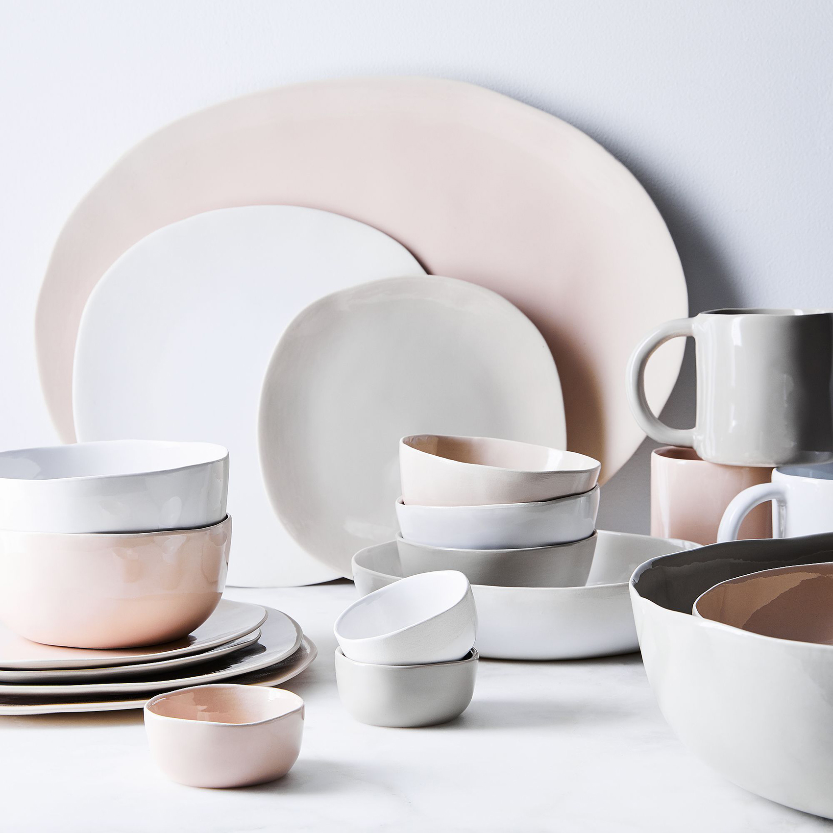 hawkins-new-york_organic-dinnerware_family_home_ty-mecham_food52